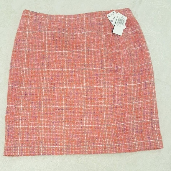 Sandra Coquette Dresses & Skirts - Sandra Coquette Coral Skirt - Elegant Tweed